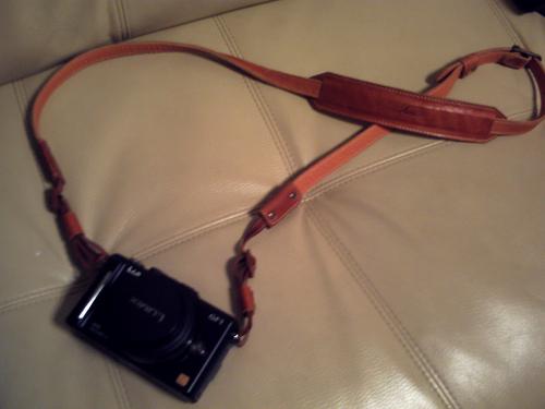 GF1に取り付けるカメラストラップを購入