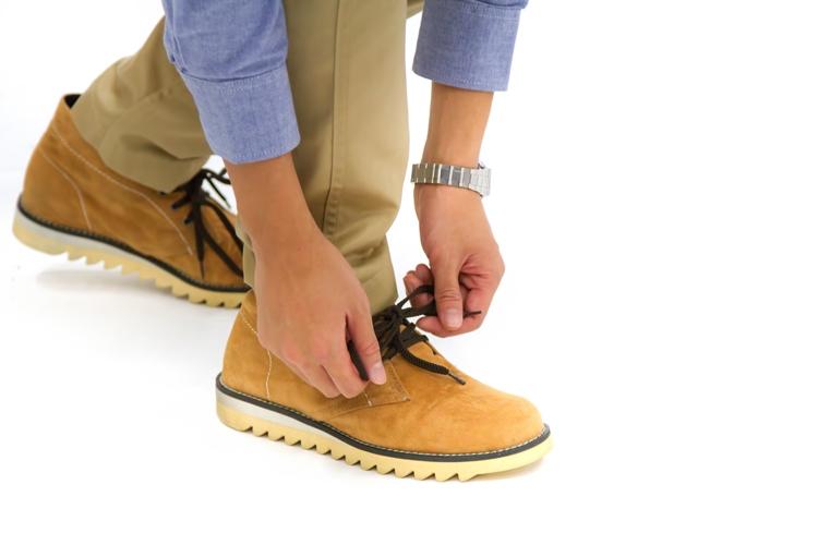 もう一度学び直す。靴磨きセットを買って履き古した革靴をピカピカに