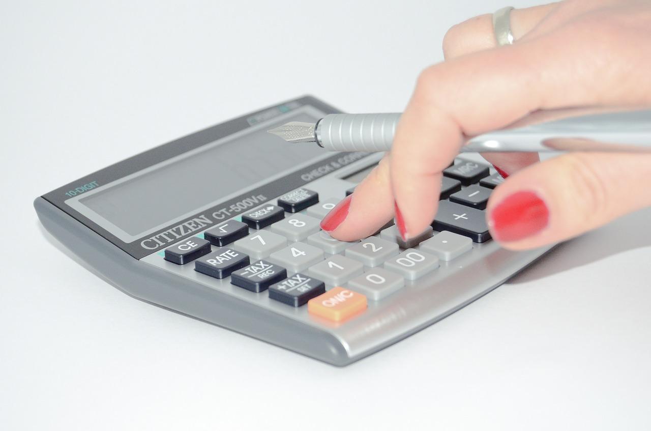 財務分析を勉強したい人には、週刊ダイヤモンドの「会社の数字がわかる「決算書」100本ノック!」がおすすめ