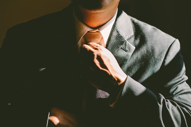 どの企業に就職すれば稼ぐことができるのか、を考える前に